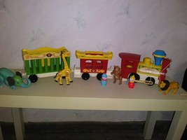 Fisher Price Vintage Little People Circus Train #991 with Cars Animals People   - $24.75