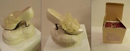 """Just The Right Shoe """"Devoted To You"""" Mini Shoe Music Box #25304 Raine Willitts - $29.98"""