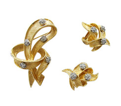Hattie Carnegie Gold Tone with Rhinestones Ribbon Brooch & Earring Set - $65.00