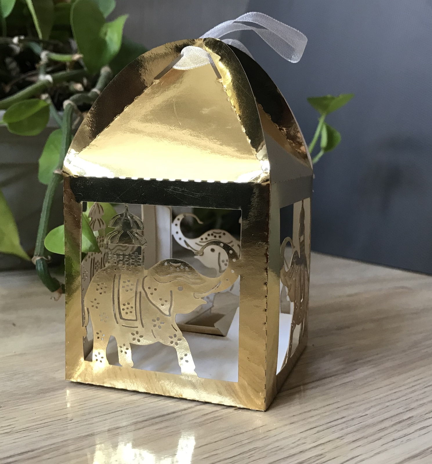Primary image for Metallic Gold Elephant Wedding Favor Boxes,100pcs Laser Cut Packaging Gift Boxes