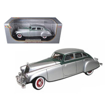 1933 Pierce Arrow Silver 1/18 Diecast Model Car by Signature Models 18136s - $91.40