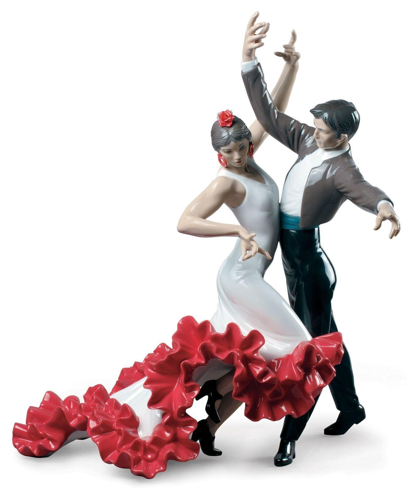 Lladro Flamenco dancers Couple Figurine 01009333 - $2,145.00