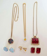 VINTAGE JEWELRY SETS Necklace Earrings Enameled Daisies ESTATE COLLECTIO... - $24.99