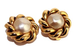 100% Auth CHANEL Gold Tone Clip-on Earrings Ear Ring with Pearl France Vintage - $226.71