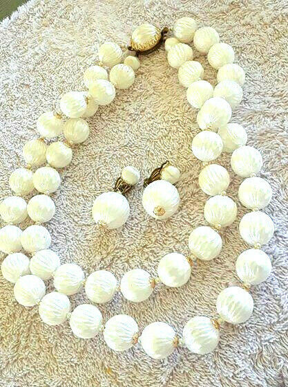Vintage Japan Textured Unique White Bubblelite Beads Necklace  Clip Earrings Set