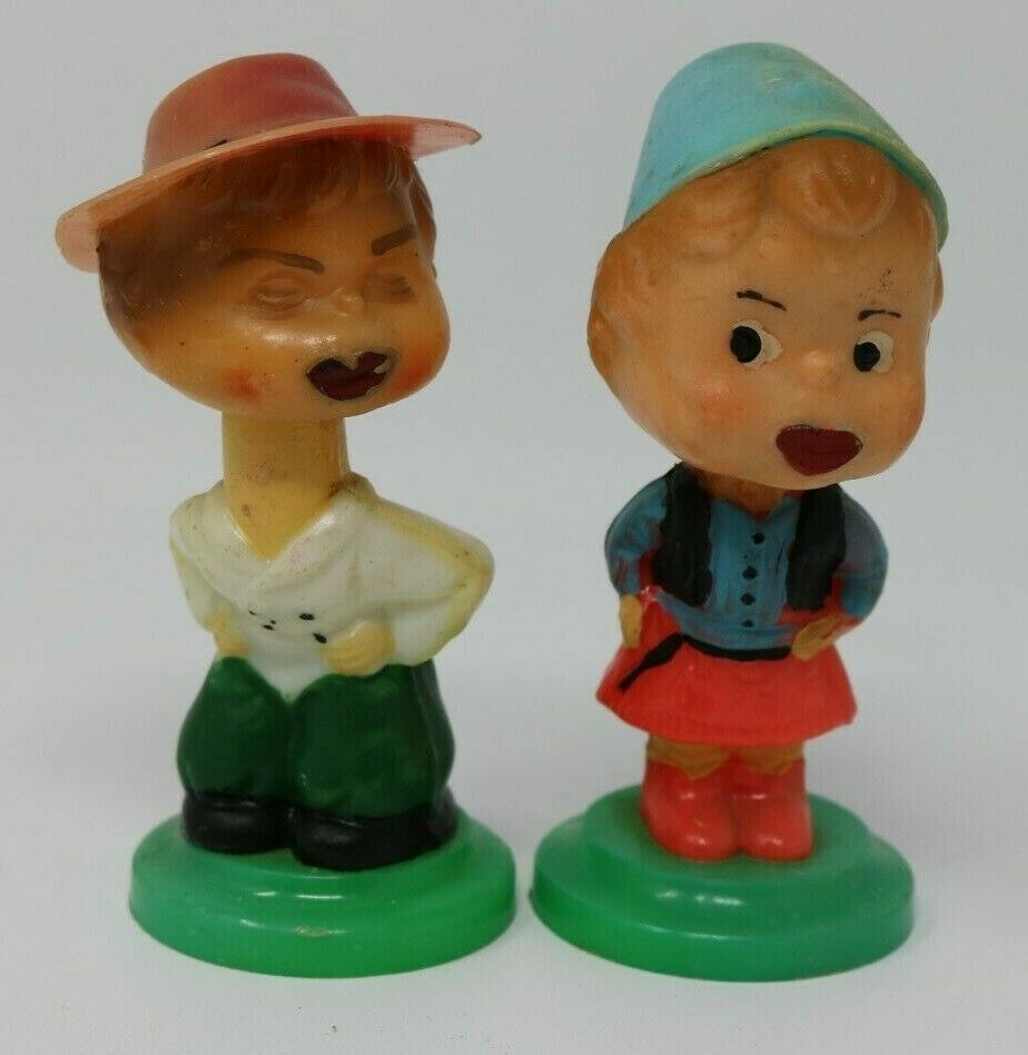 Primary image for Vintage Pair of Bobble Heads Nodder Kiss Me Dutch European Plastic HTF