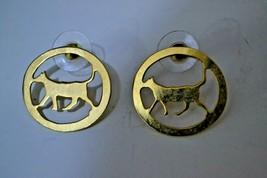 VINTAGE GOLDEN TONE METAL EARRINGS CATS - $17.72