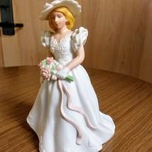 Vintage Avon 1986 Summer Bride Hand Painted Fine Porcelain Figurine  image 2