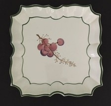 Vintage VIETRI ITALY Disappearing Grape Handpainted PLATE White Green 70... - $18.69