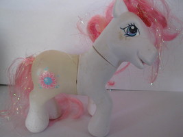 Vintage My Little Pony: 2006 unknown, battery operated, comes apart ?? - $10.00