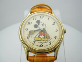 Vintage Mickey Mouse Quartz WR Analog Dial Watch (B956) V515-6118R image 3