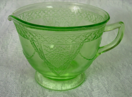 Federal Glass Georgian Lovebirds Creamer Green Vaseline Depression Glass - $6.00