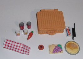 Barbie Picnic Basket w/Color Changing Pie & Accessories - $24.50