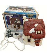 Wee Crafts Kings Country Inn English Village Painted Finished Lighted 21580 - $49.49