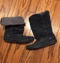 Nike Suede Fleece Lined Black Boots Size 7 - $24.99