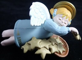 Angel Ornament Seasons Greetings Christmas First In Series 1996 ROUNDYS - $9.90