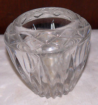 Candle holder/Pretty cut glass votive candle holder - €4,15 EUR