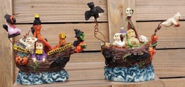 PIRATE SHIPS WITH WITCHES, GHOSTS, GHOULS AND PUMPKINS CERAMIC - $197,78 MXN