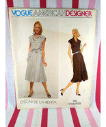 Vintage 1979 Vogue American Designer Oscar de la Renta #1916  - $5.00