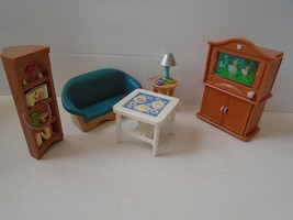 FISHER PRICE LOVING FAMILY DOLLHOUSE FAMILY/LIVING ROOM RETIRED.GREAT CO... - $24.99