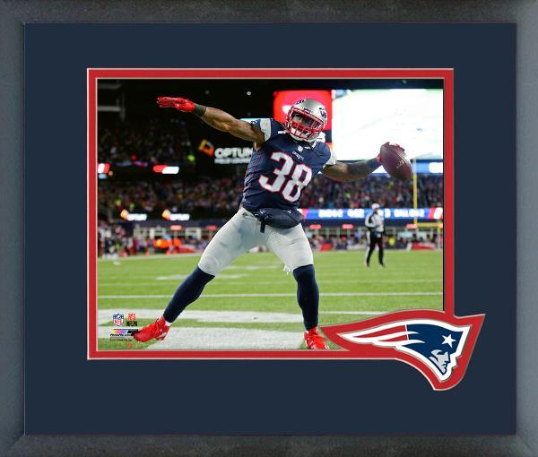Brandon Bolden TD 2017 AFC Divisional Playoff Game-11x14 Matted/Framed Photo
