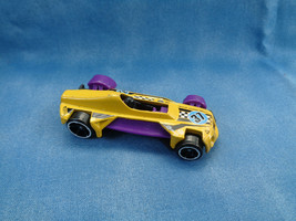 Hot Wheels 2013 Mattel MED-EVIL Yellow  Purple Sports Car Made in Thailand - $1.27