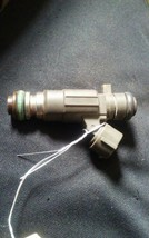 2003-2006 INFINITI G35 FUEL INJECTOR OEM image 2