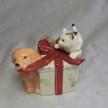 Avon 2006 Collectible Porcelain Gift Box Ornament Christmas Decoration Xmas image 2