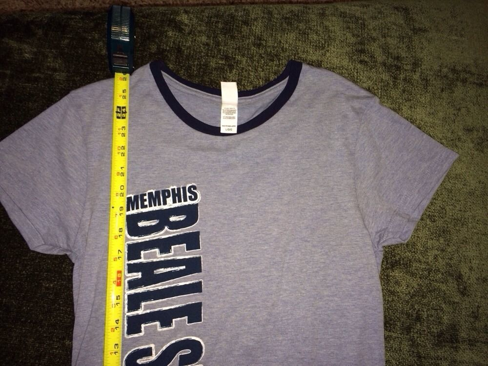 Memphis Tennessee Beale Street slim fit t-shirt size large short sleeve juniors