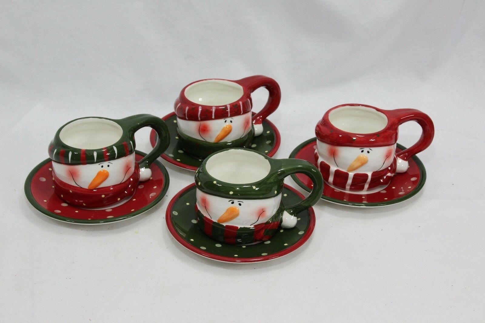 Snowman Xmas 4 Cups and 4 Saucers