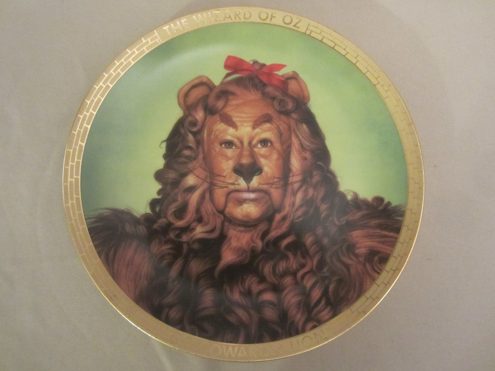 COWARDLY LION collector plate WIZARD OF OZ PORTRAITS Thomas Blackshear