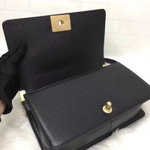 AUTH NEW CHANEL 2018 BLACK QUILTED CAVIAR LEATHER MEDIUM BOY FLAP BAG GHW image 8
