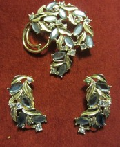 VINTAGE SARAH COVENTRY  BLUE RHINESTONE PIN MATCHING EARRINGS - GORGEOUS - $47.45