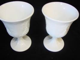 EUC Vintage Harvest Grape Colony Milk Glass Goblets Wine Water Glasses Set of 2 - $9.49