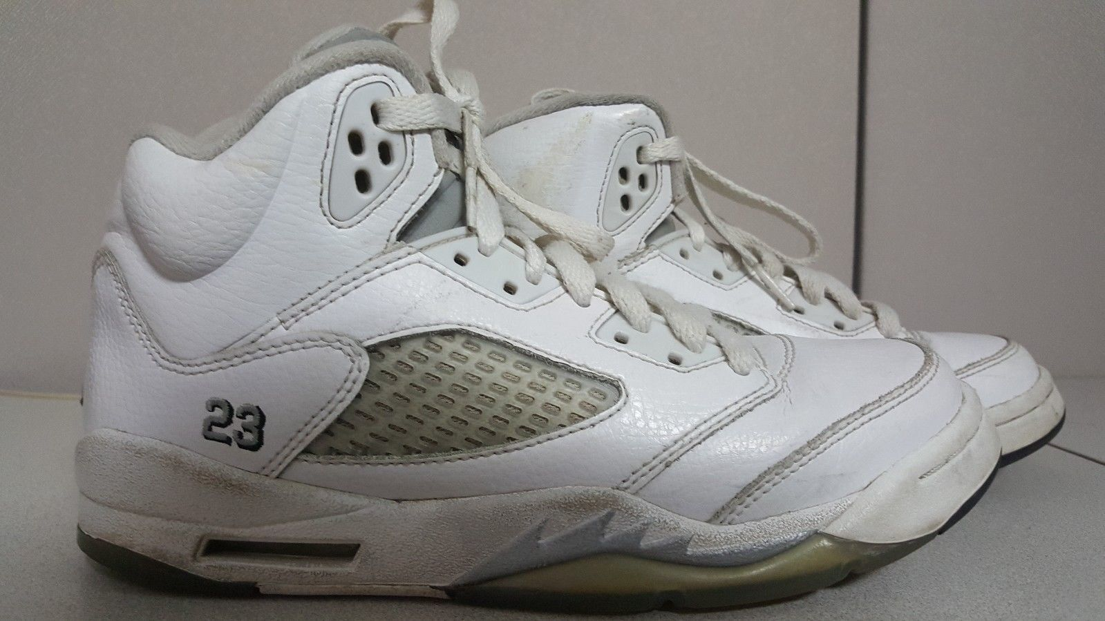 more photos d3855 5ae7b AIR JORDAN 5 V Retro BG White Basketball and 50 similar items