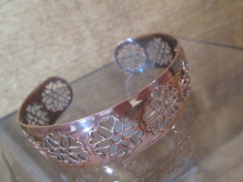 Pierced Copper Cuff Bracelet Delicate Floral Hearts Arts and Crafts Aest... - $44.55
