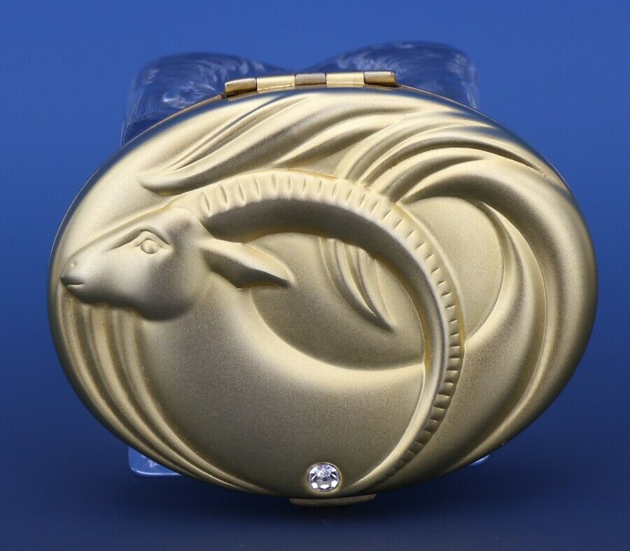 Este Lauder Golden Capricorn Compact Lucidity - Unused - No Box