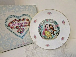 Royal Doulton Bone China Collector Plate Valentine's Day 1979 England Boxed - $14.80