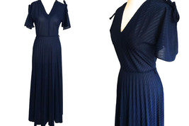 70s Midnight Blue Accordion Pleated Semi-Sheer Stripe Split Flute Tie Sl... - $36.00