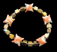 BEADED Vintage BRACELET ORANGE & GOLDTONE Flower Pillow Beads Elastic St... - $16.99