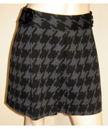EXPRESS Cute Black/Gray Houndstooth Short Pleated/Flared Stretch Skirt (... - $19.50