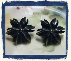 "VTG 40s Blue Enamel Silvertone Metal Flower Floral Clip On Earrings 7/8""~EVC image 1"