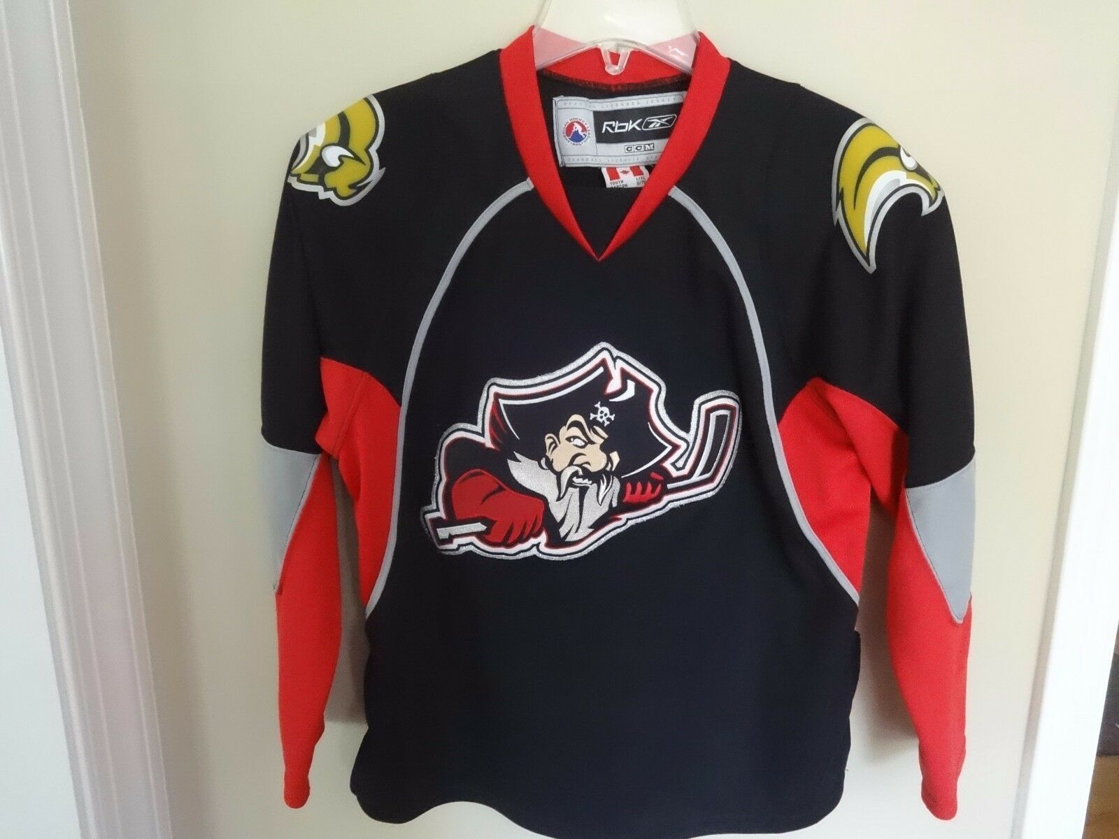 Primary image for NWOT AHL Portland Pirates Defunct Minor League Hockey Replica Jersey Youth L/XL