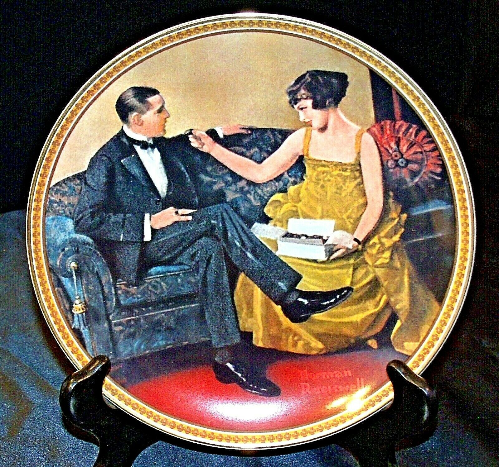 Flirting in The Parlor by Norman Rockwell Plate with Box ( Knowles ) AA20-CP2171