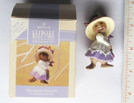 1993 Hallmark Easter Ornament Springtime Bonnets 2-inch with Box - $3.86