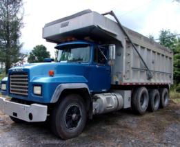 1997 MACK RD688 For Sale In Reedsville, West Virginia 26547 image 1