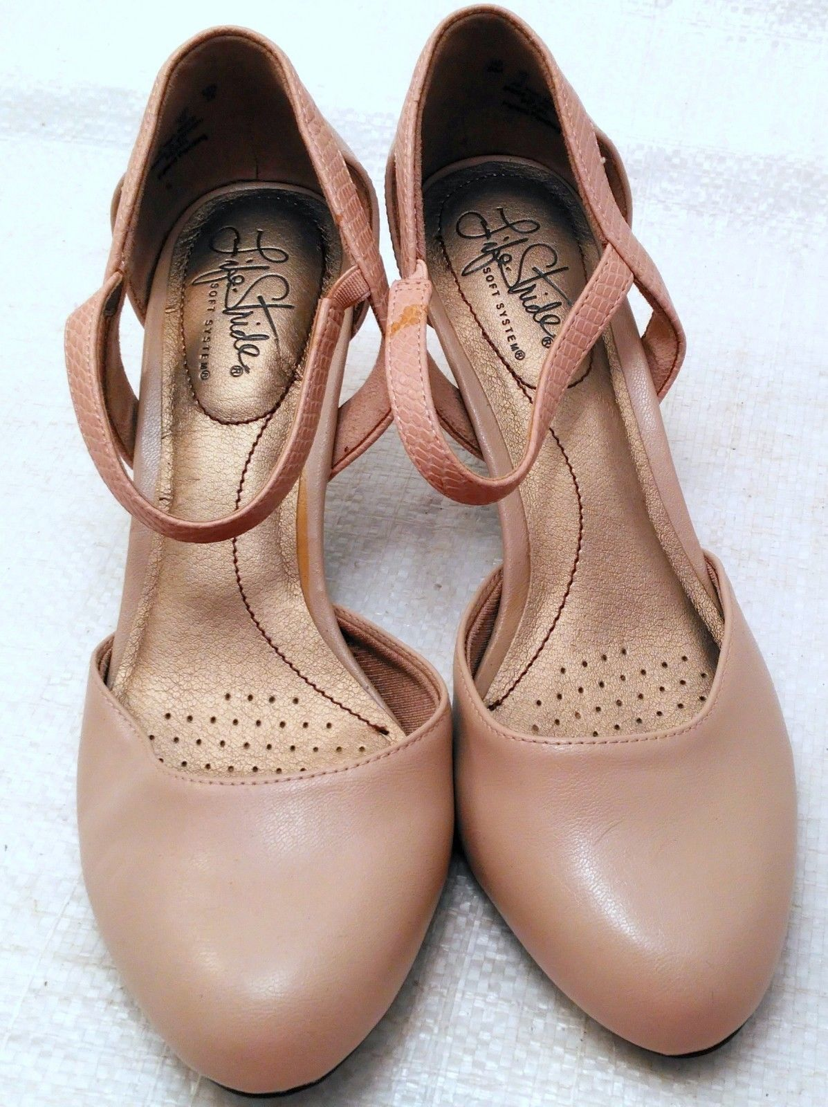 "LIFESTRIDE-""Soft System"" PEARL Beige Ankle Strap Shoes, Sz. 8M"