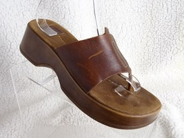 AMERICAN EAGLE OUTFITTERS  AEO Sz 9 DARK BROWN LEATHER SLIDE WEDGE SANDALS - $17.60
