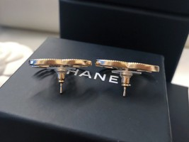 100% AUTH NEW CHANEL 2019 SS XL Large Gold CC Crystal PEARL Stud Earrings image 6
