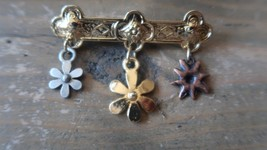 Vintage Flower Dangle Brooch 5cm - $6.13